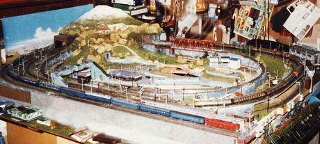 http://moritetsu.info/model-railway/assets_c/2013/05/w03k-m-ootsuka-thumb-460x207-598.jpg