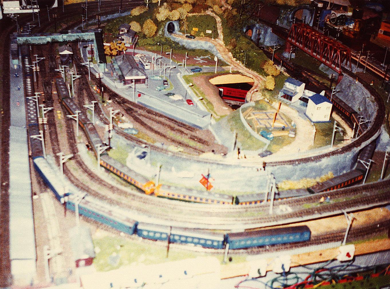 http://moritetsu.info/model-railway/img/w03k-s-ootsuka02.jpg