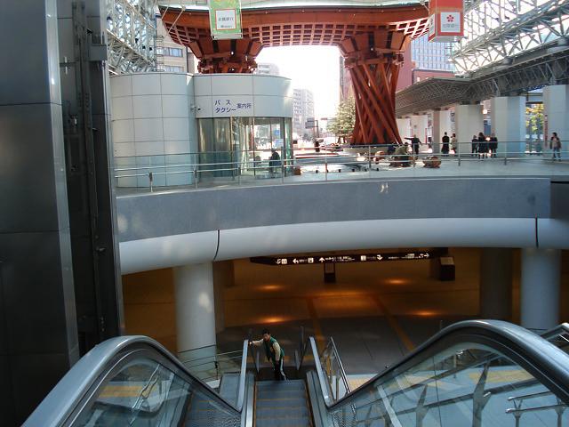 http://moritetsu.info/travel/img/web002-kanazawa-DSC06271.jpg