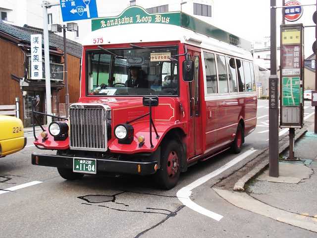 http://moritetsu.info/travel/img/web002kanazawa-busDSC05826.jpg